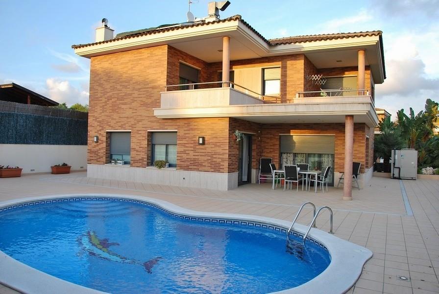 Купить дом в деревне в испании на берегу моря