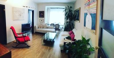 Квартира в Барселоне, район Эшампле, 90 м2