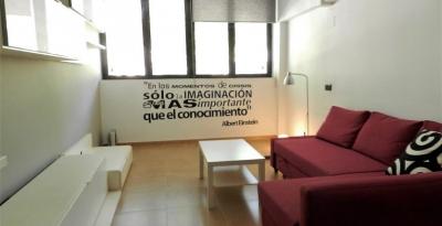 Квартира в Барселоне, район Побленоу, 65 м2
